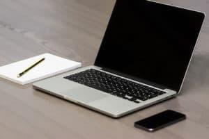 Como limpar tela de notebook